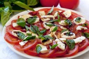 Caprese Tomato Salad