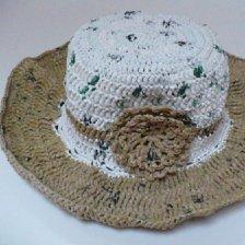 Plarn hat.