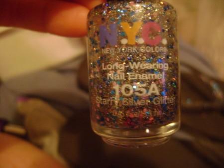 Easy Glitter Flip Flops using nail polish.