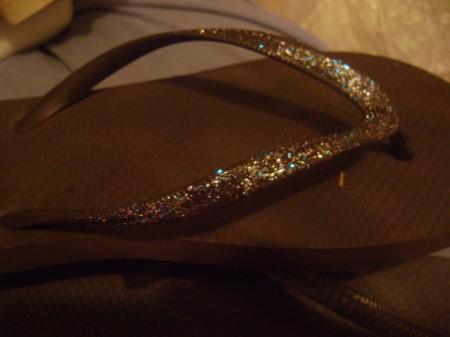 Easy Glitter Flip Flops, drying