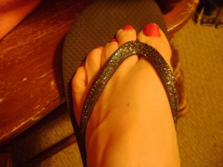 Easy Glitter Flip Flops, completed.