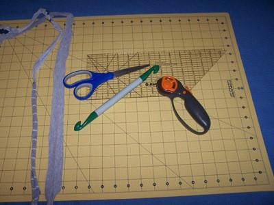 Craft Project: T-Shirt Rag Rug - tools