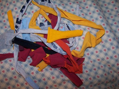 Craft Project: T-Shirt Rag Rug - cut up tshirts