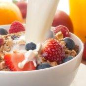 Quick Breakfast Ideas, Healthy muesli breakfast with milk
