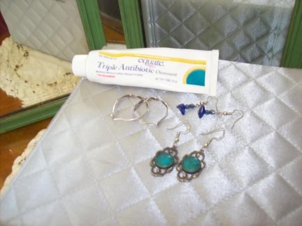 Tip Ointment To Get Earrings In Easier