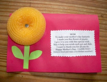 A Mother's Day card with a scrubbie as a flower.
