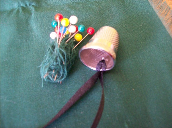 Ball head pins wrapped in thread