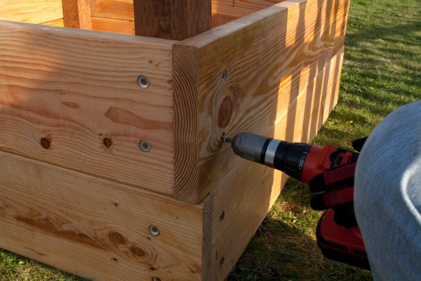 Square Foot Raised Garden Beds - Attaching Second Level on Panels