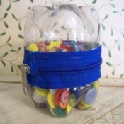 Zippered Bottle Container