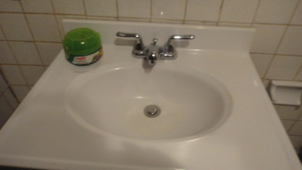 Bathroom Cleaning Tips ThriftyFun - What to use to clean bathroom sink
