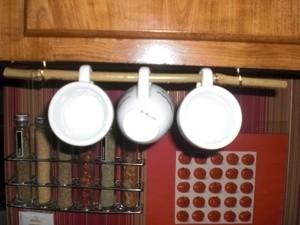 Bamboo Rod With Coffee Mugs