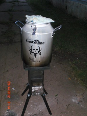 Can Cooking on the Deadwood Stove