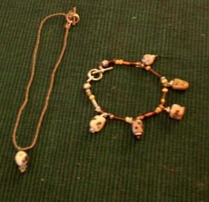 Beaded chocker and bracelet.