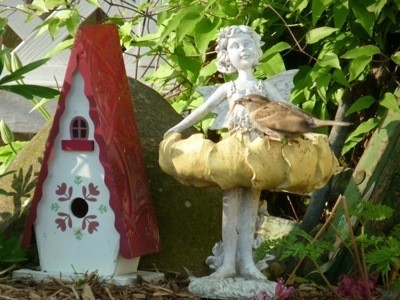 Attracting Birds to Statuary
