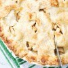 A photo of an apple pie.