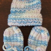 Knitted Infant Thumbless Mittens
