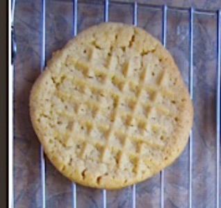 Finished cookie with tenderizer imprint.