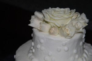 Quick Fix for A Damaged Wedding Cake