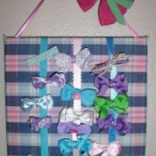 Hanging hair bow board.