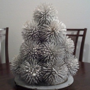 A beautiful Christmas tree made from toothpicks.