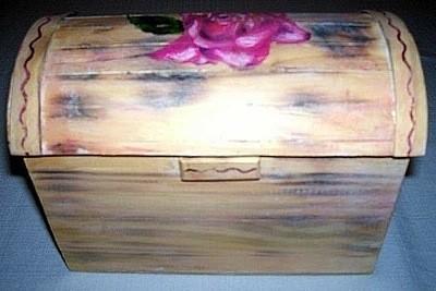 Antique-Look Jewelry Box