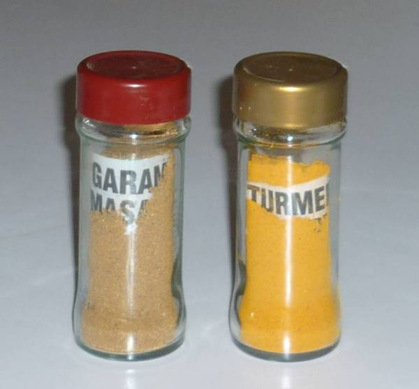 square glass spice bottles