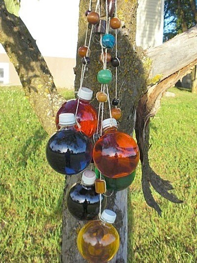 Hanging bottle decoration thriftyfun for Colored bottles for decorations
