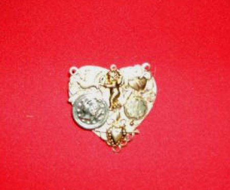 Victorian Heart Collage Pin