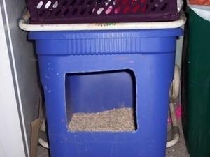 Litterbox from plastic tub.