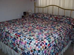 Making a Yo Yo Bedspread | ThriftyFun : how to make bedspread quilt - Adamdwight.com