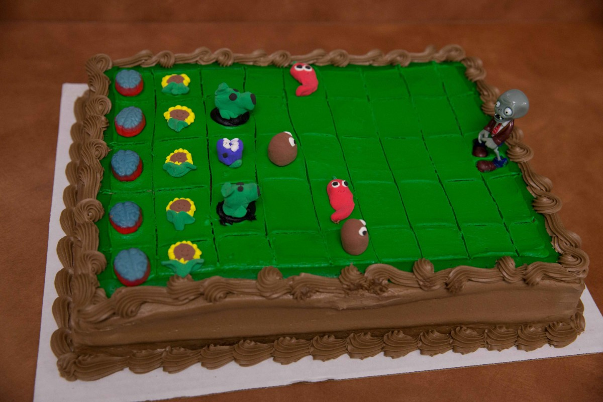 Making A Plants Vs Zombies Cake Thriftyfun