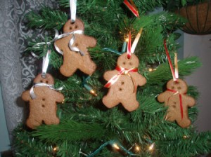 Cinnamon Applesauce Gingerbread Men for Tree or Gifts