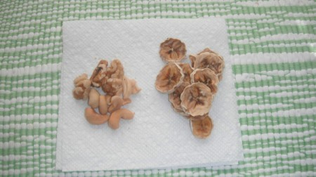 Dehydrated banana slices and nuts.
