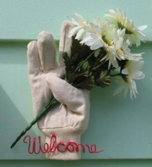Welcome Glove