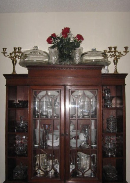 Daylight view of cabinet.