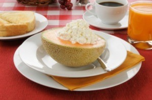 Cantaloupe With Cottage Cheese