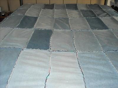 Blue Jeans Quilt Ideas   ThriftyFun : jean quilts ideas - Adamdwight.com