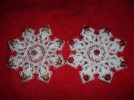 making plastic canvas snowflakes