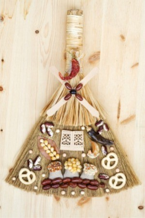 Crafts Made With Brooms