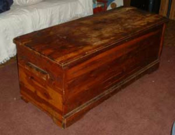 antique cedar chest value Finding the Value of a Murphy Cedar Chest | ThriftyFun antique cedar chest value