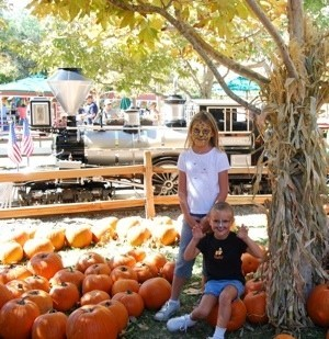 kids at pumpkin patch