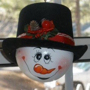 Vanity Lightbulb Snowman - finished ornament