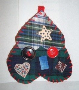 tree ornament made from two heart shapes