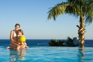 Plan Your Resort Vacation Frugally