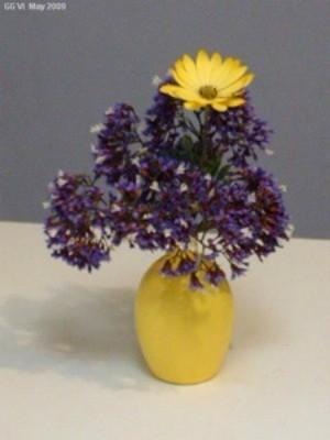 Recycle Plastic Lemons as a Vase