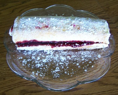 powdered sugar covered jelly roll