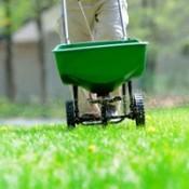 lawn manure spreader