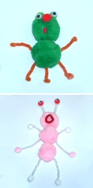 Green and pink pom alien.