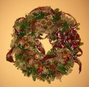 making christmas wreaths thriftyfun - Simple Christmas Wreaths