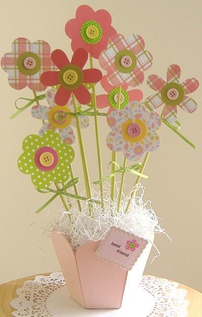making a scrapbook paper flower bouquet